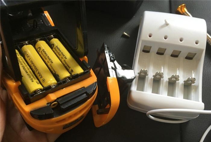 バッテリー 充電器