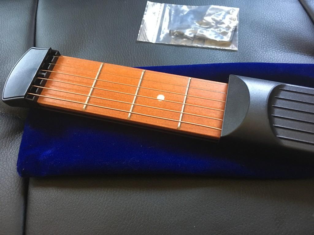 初心者ギター弾き語り最速上達グッズ Ammoon ポケットギター