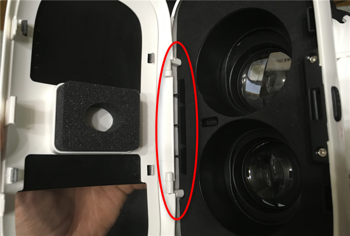 スマホVRゴーグル 携帯を固定するホルダー