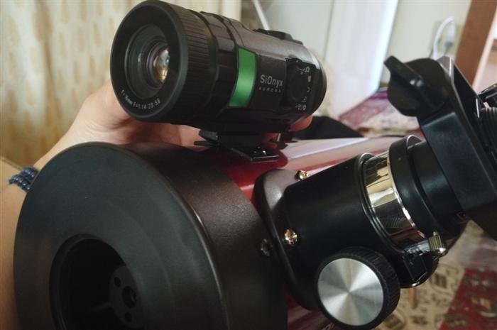 SiOnyx AURORA 天体望遠鏡のファインダースコ―プに