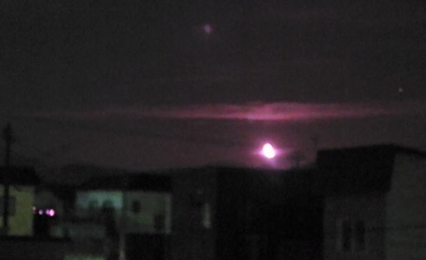 月 ナイトカメラ 膨張