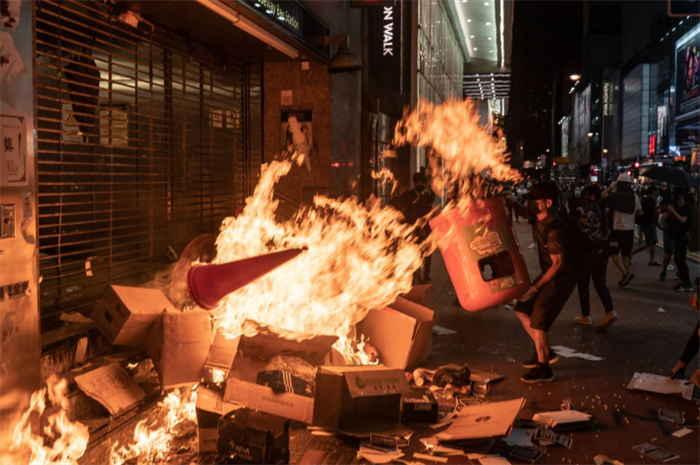 香港デモ 過激派