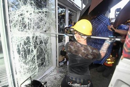 香港デモ インフラ破壊