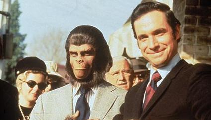 猿は人真似