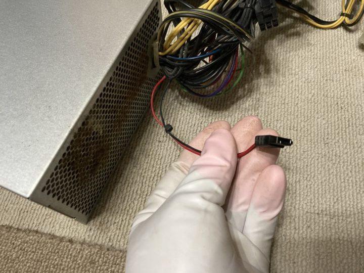 電顕ケーブル